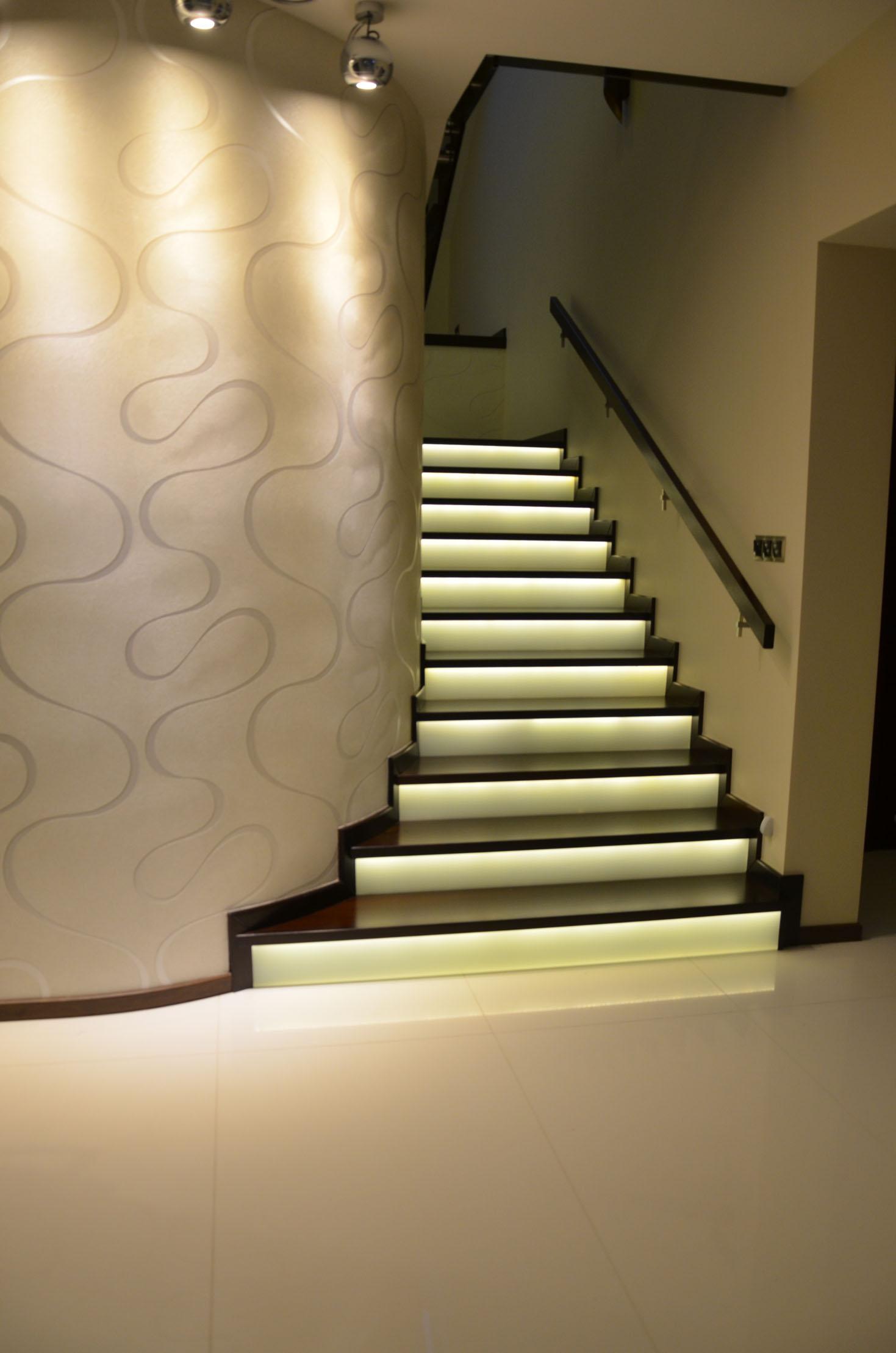 schody-swiecace-podstopnie-2