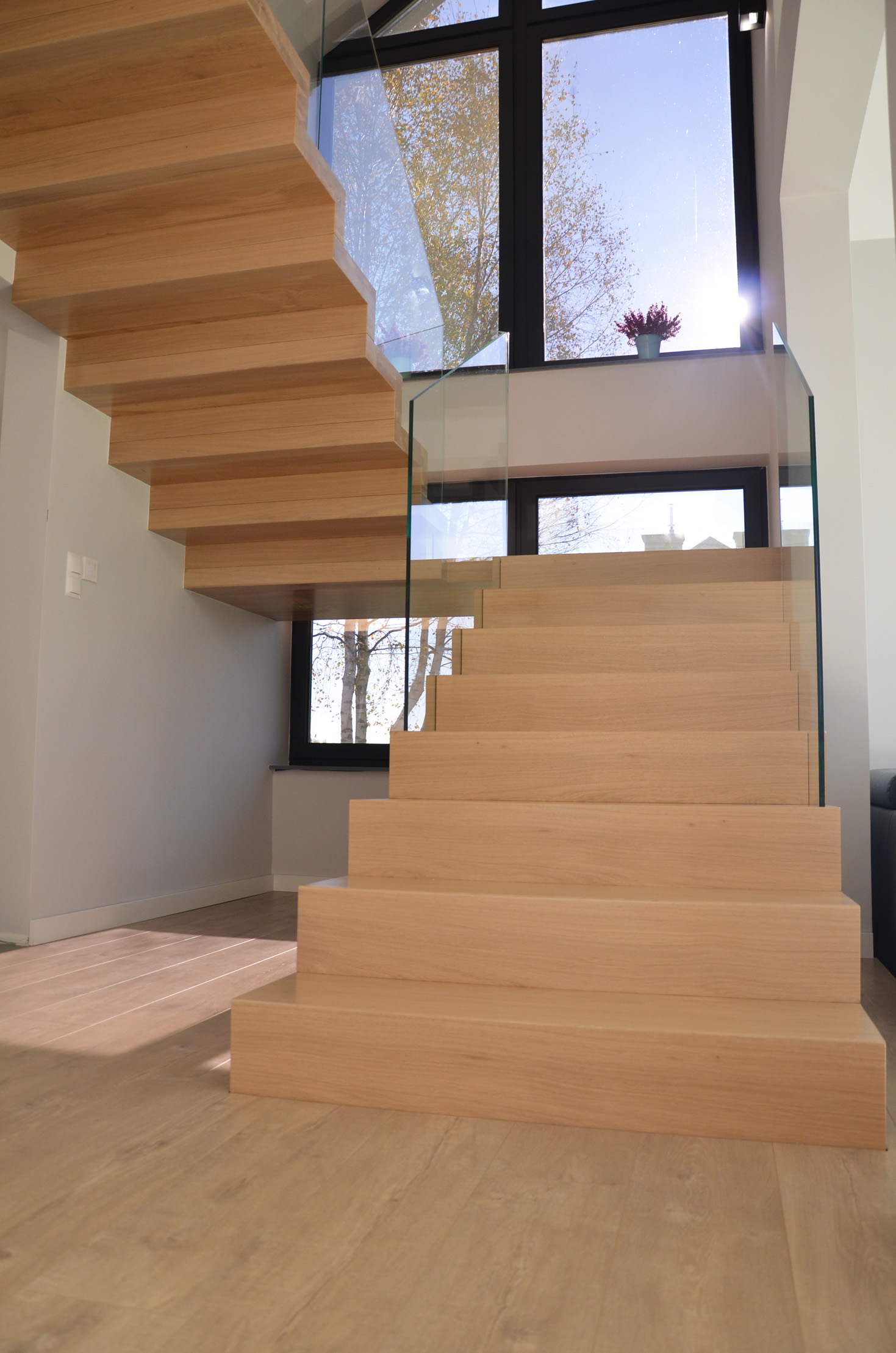 abb-schody-dywanowe-bielone2