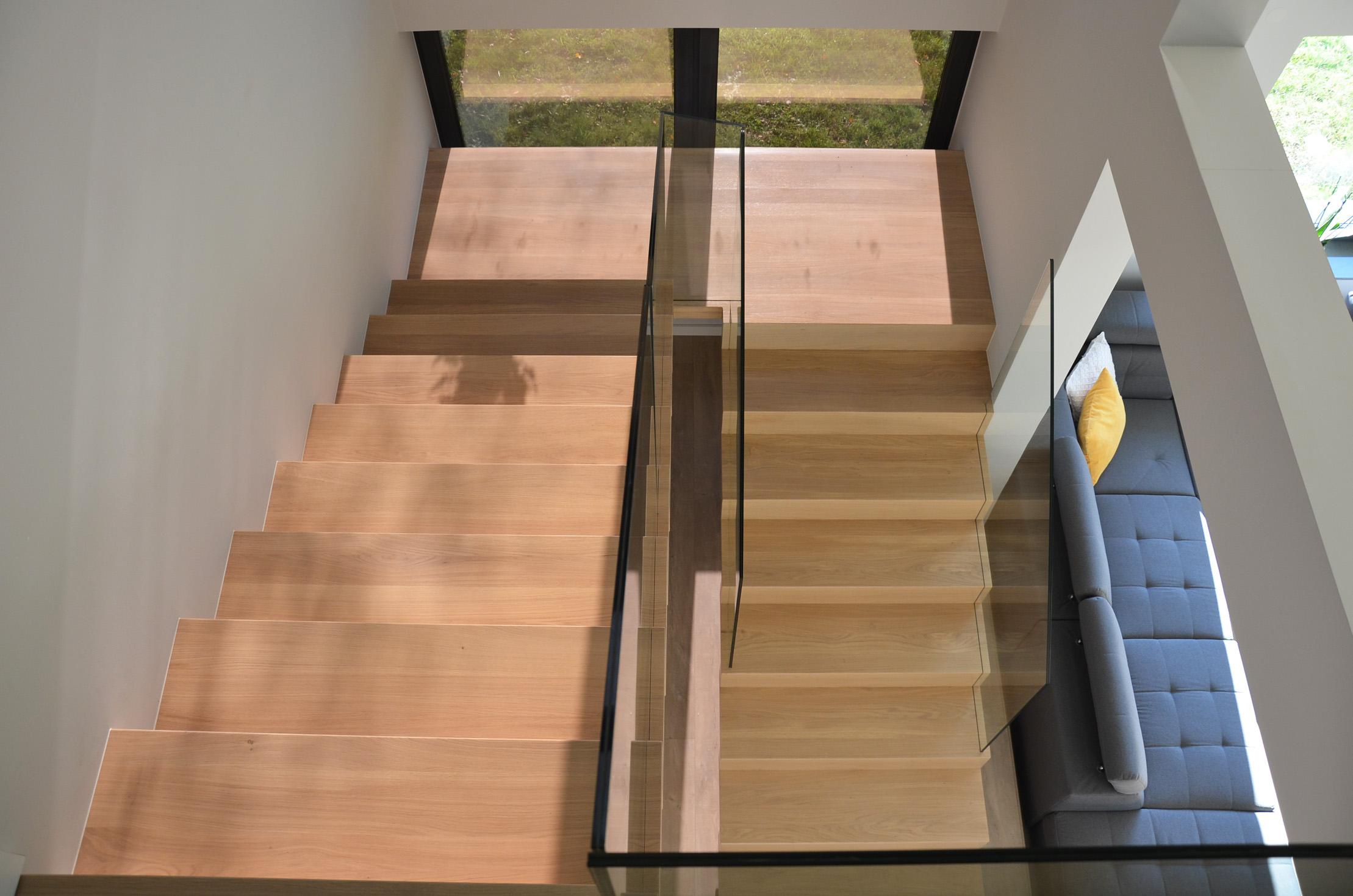 abb-schody-dywanowe-bielone5