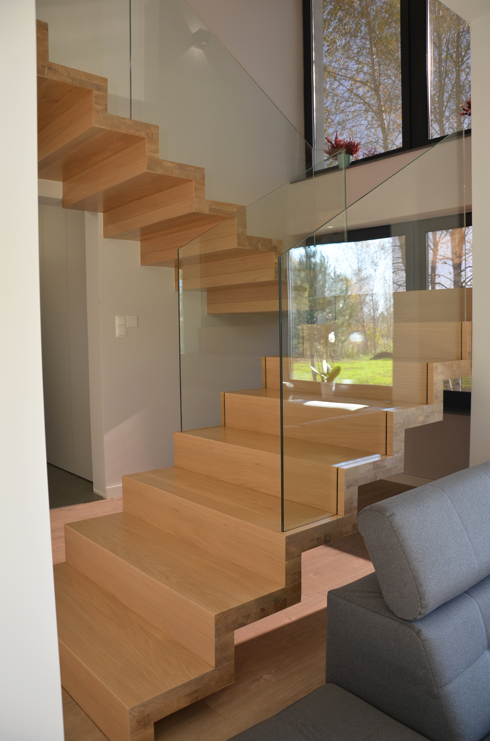 abb-schody-dywanowe-bielone6