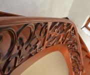 aa-schody-z-rzezbiona-balustrada-10