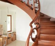 aa-schody-z-rzezbiona-balustrada-3
