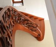 aa-schody-z-rzezbiona-balustrada-9