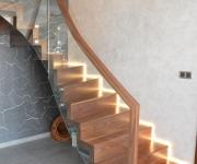 ab-schody-dywanowe-z-orzecha-amerykanskiego-1