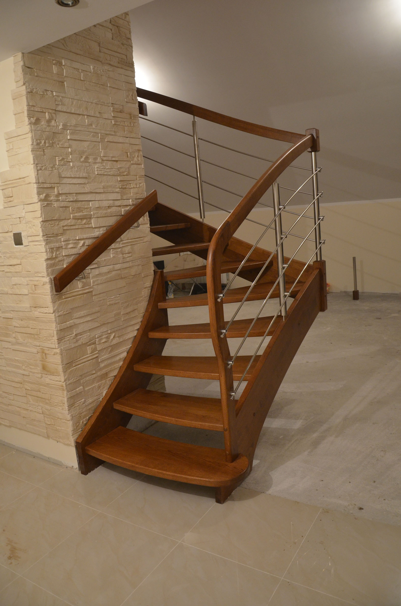 nowoczesne-schody-drewniane-4