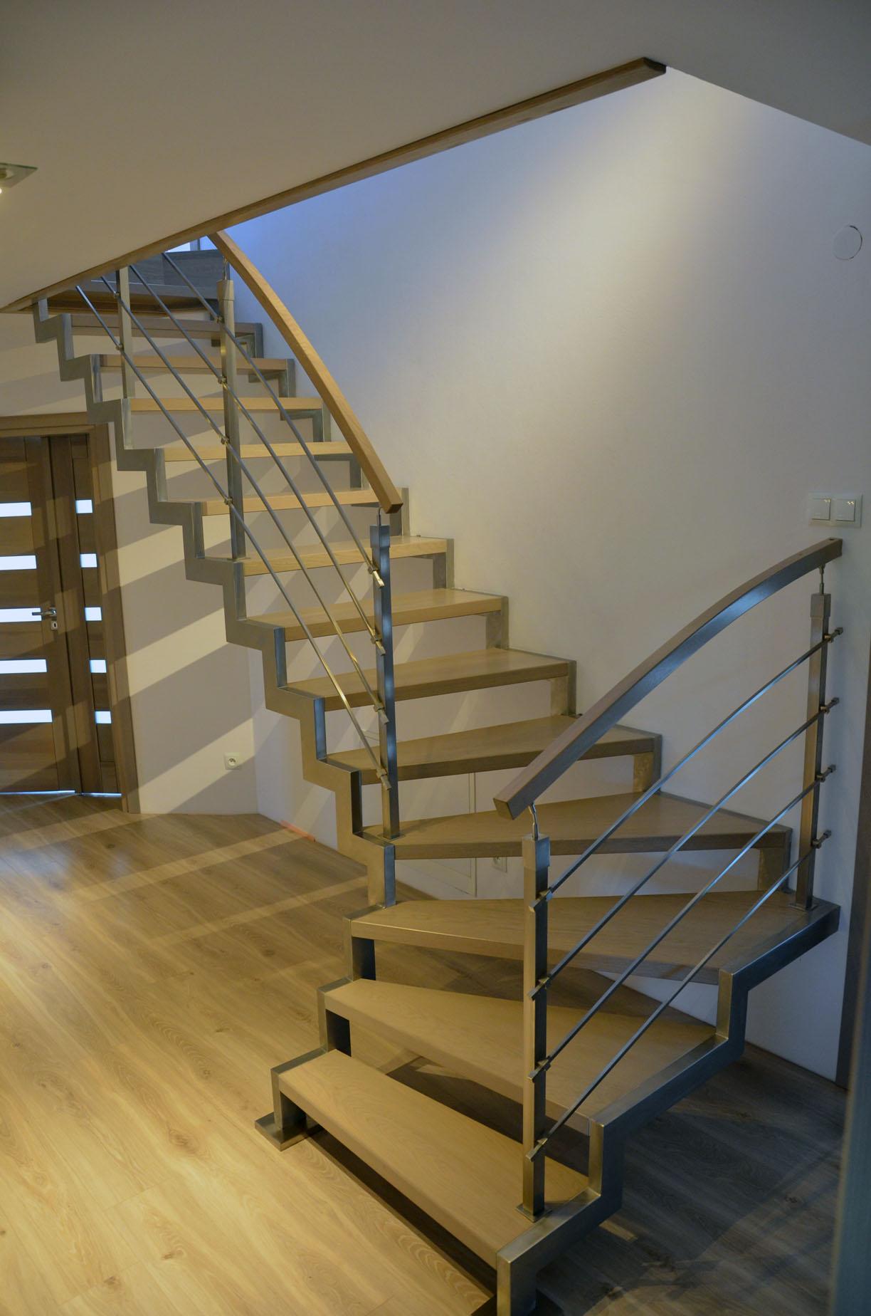 schody-na-konstrukcji-metalowej-3