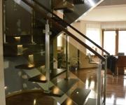 schody-drewniane-ze-stali-nierdzewnej4