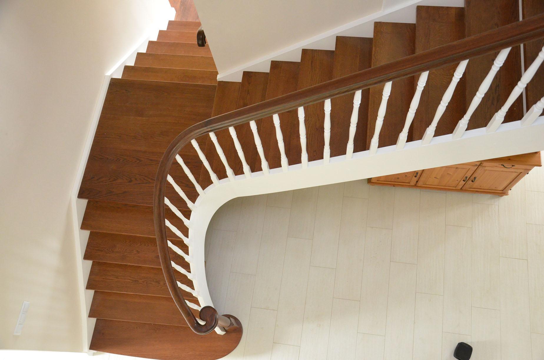 schody drewniane w stylu angielskim 1